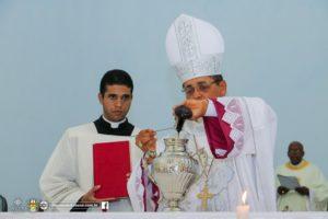 MISSA_SANTOS_OLEOS_13_04_17_DIOCESEDEITABUNA-116